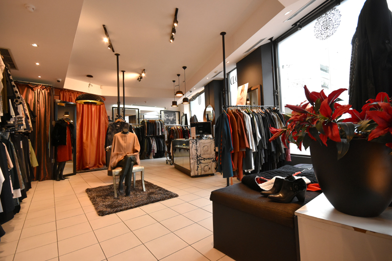 Enormous profits! Incredible price Things of Desire Aus/Europe Fashion Boutique.