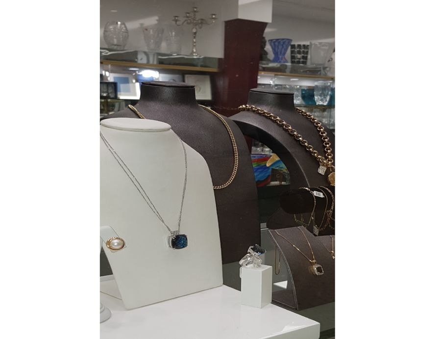 jewellery-amp-gift-shop-great-location-recently-refurbished-5