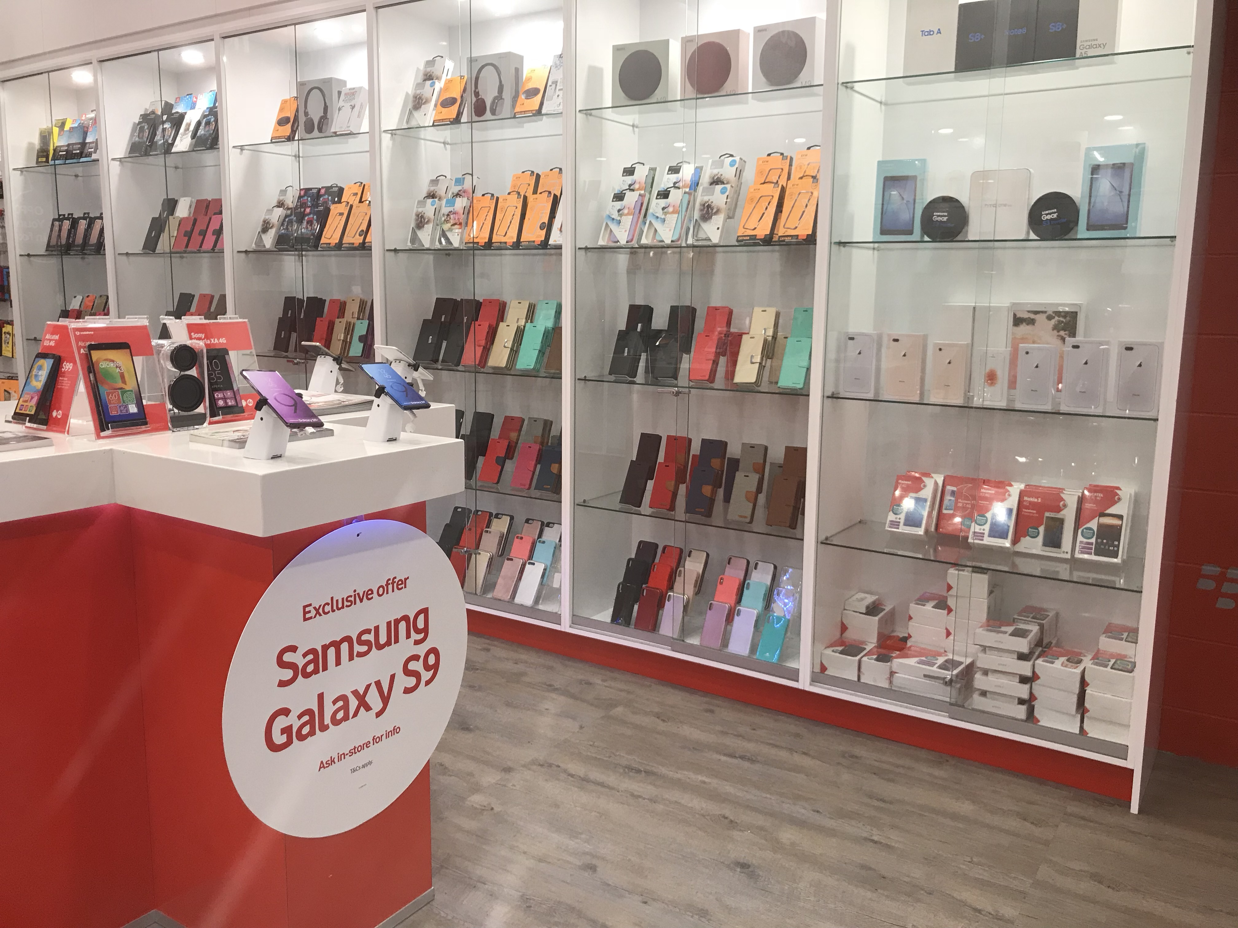 vodafone-store-licensee-smart-phones-group-7