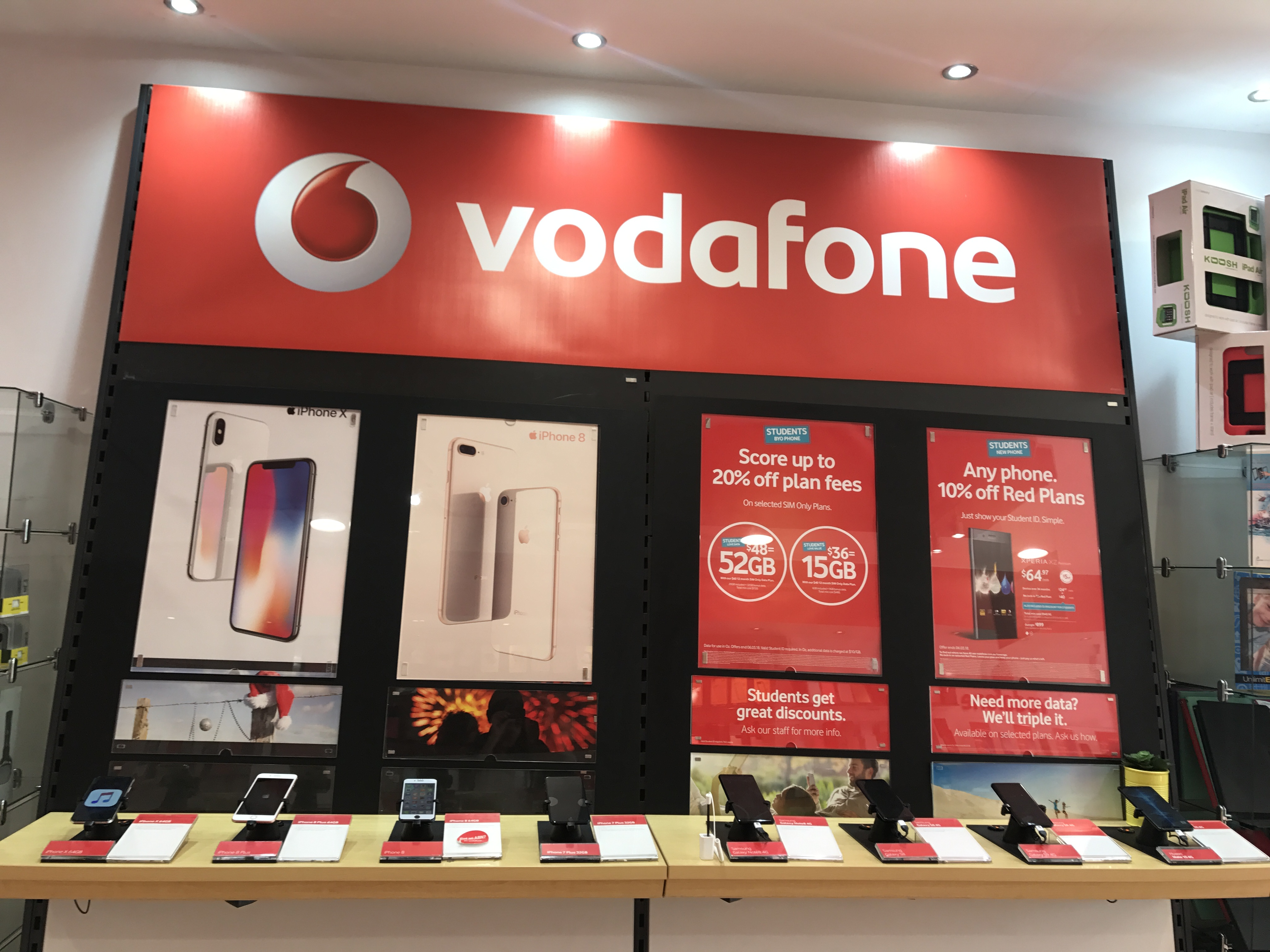 vodafone-store-licensee-smart-phones-group-8