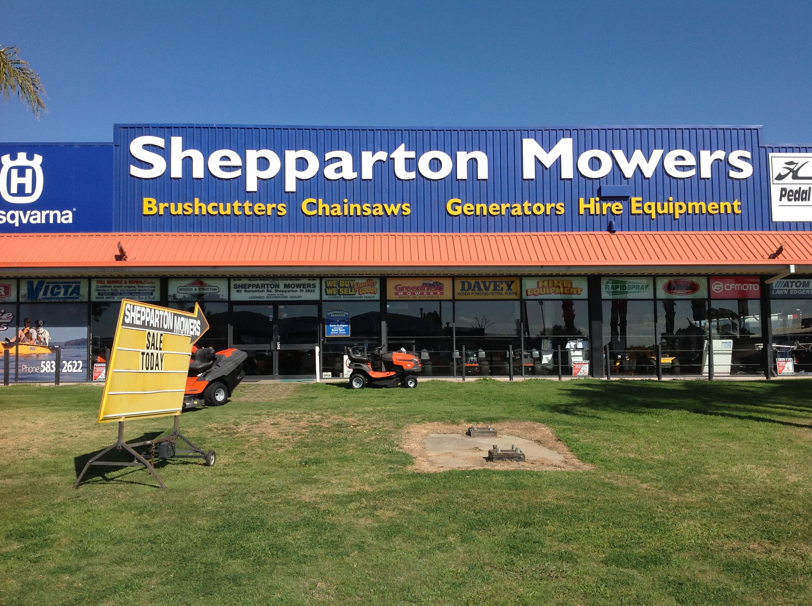 Major retailer of Outdoor Power Equipment-chainsaws,lawnmowers,engines,pumps,etc