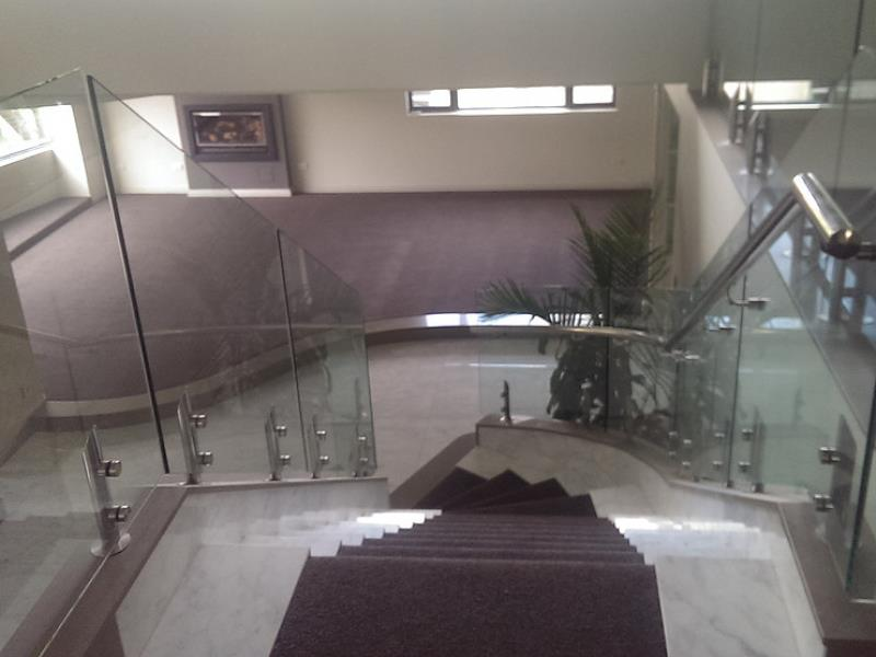 Carpet & Flooring Retailer REFZ2210