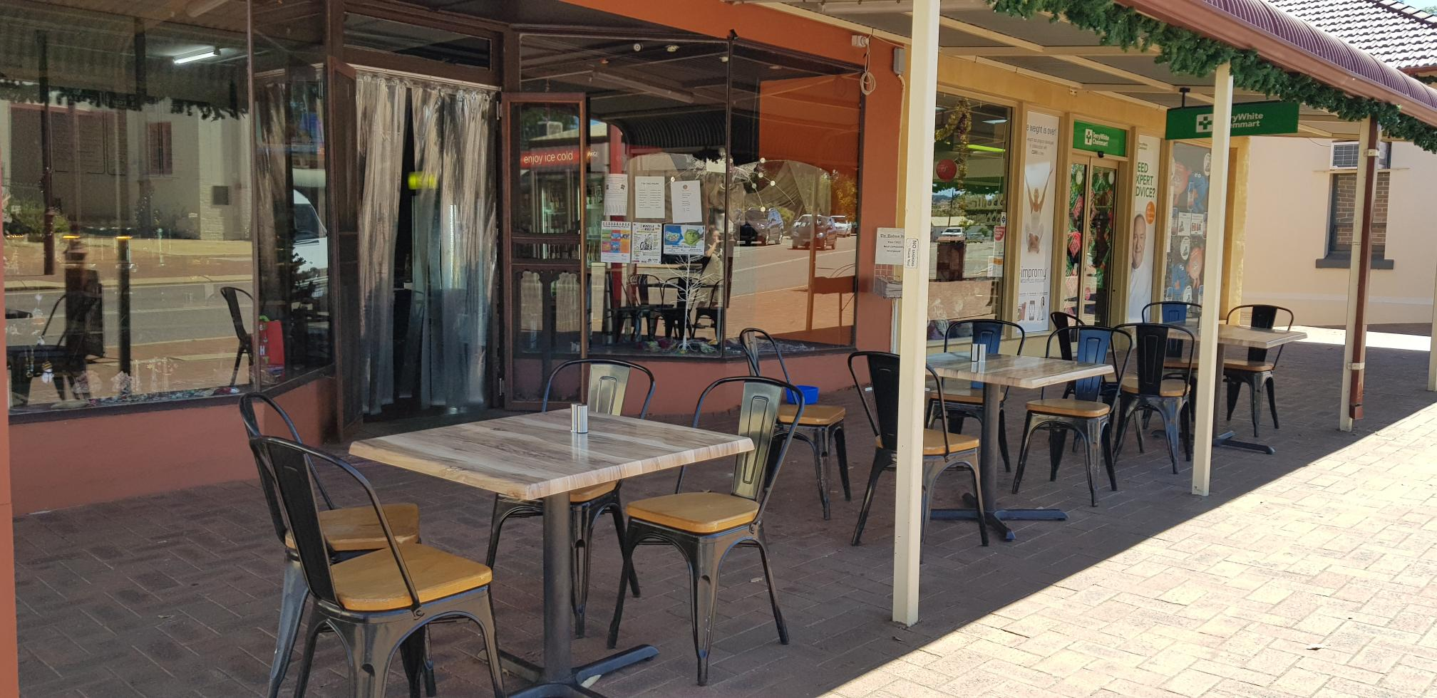 profitable Cafe / Lunch Bar / Restaurant with low rent at only $314 /Week