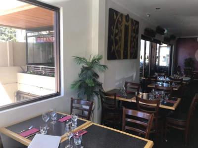 stunning-restaurant-cafe-1