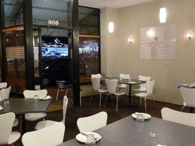 pizza-store-cafe-in-victoria-park-0