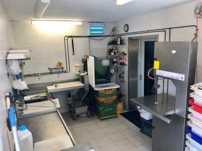 extremely-high-profit-seafood-shop-in-beechboro-for-sale-1