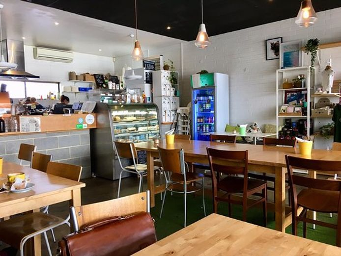 cozy-and-friendly-cafe-with-low-low-rent-0