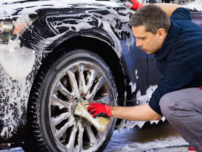 car-wash-and-car-detailing-0
