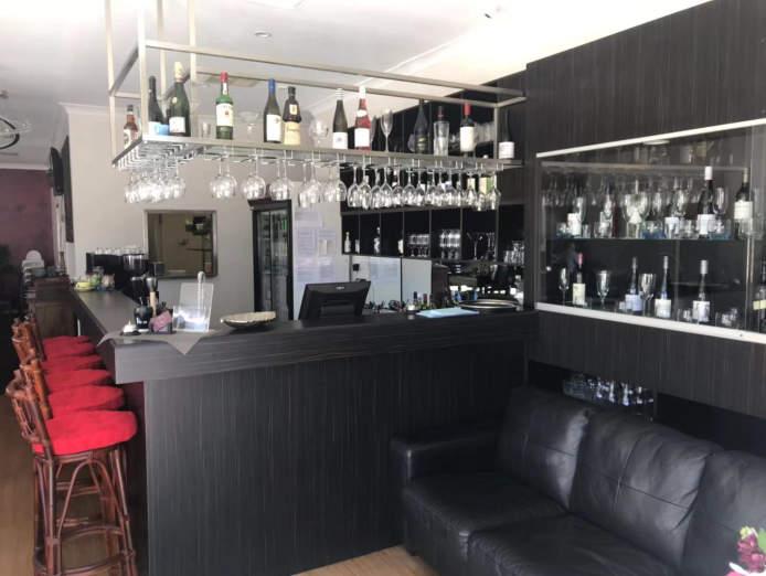stunning-restaurant-cafe-2