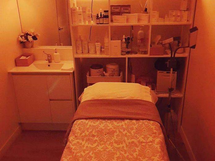 nail-and-beauty-salon-2