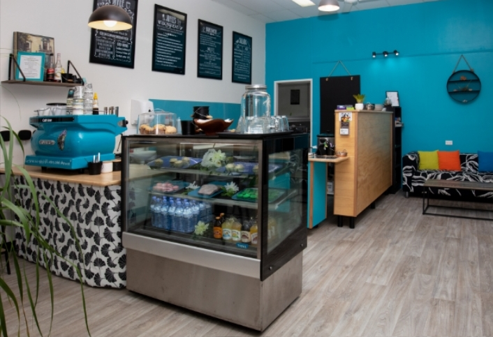 Profitable cafe/coffee shop in busy tourist destination