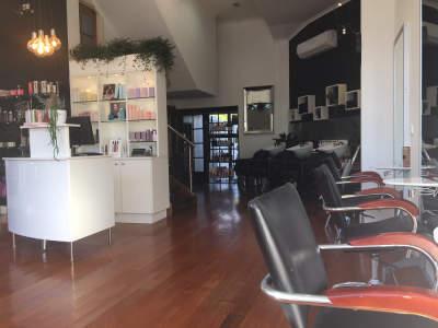 under-offer-award-winning-hair-salon-business-for-sale-0