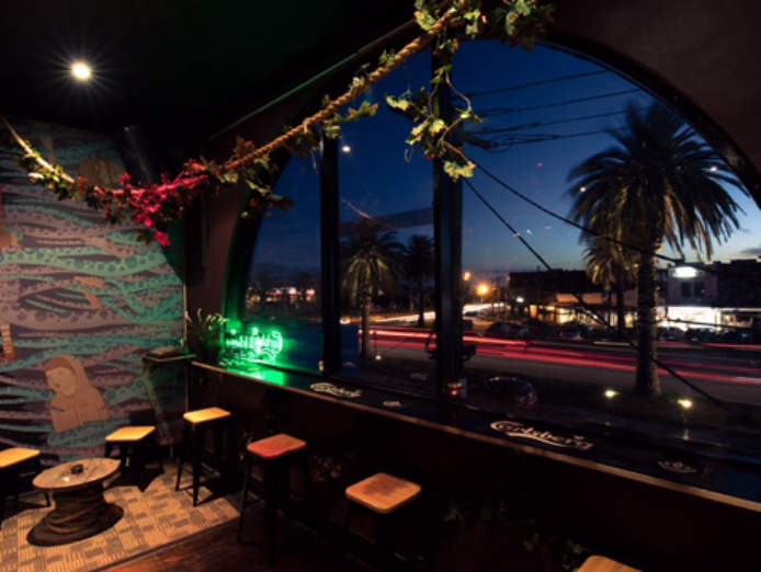 bar-small-pub-restaurant-business-for-sale-main-st-function-room-beer-garden-0