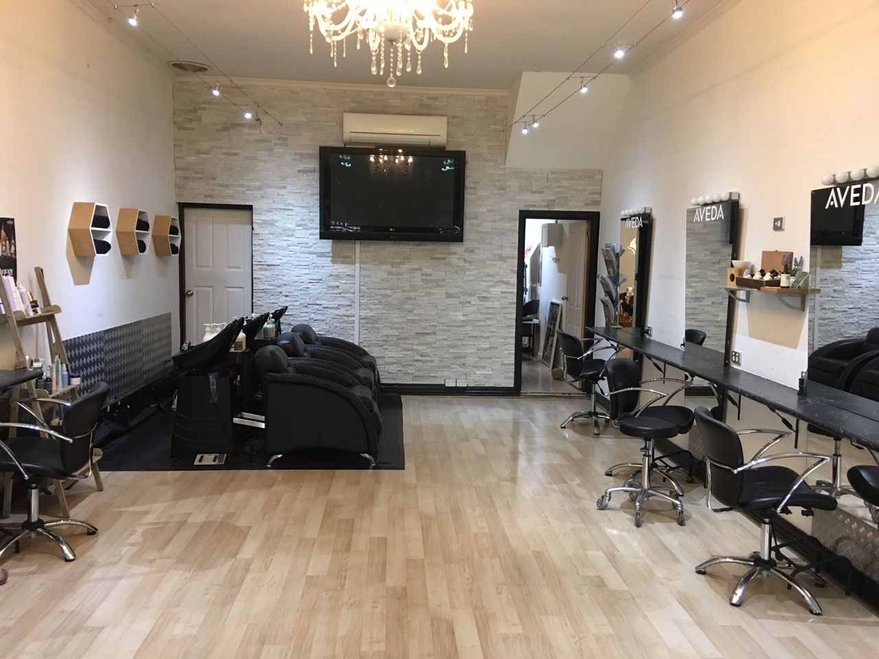 UNDER OFFER - Fully Managed Hair and Beauty Salon in Richmond priced to sell