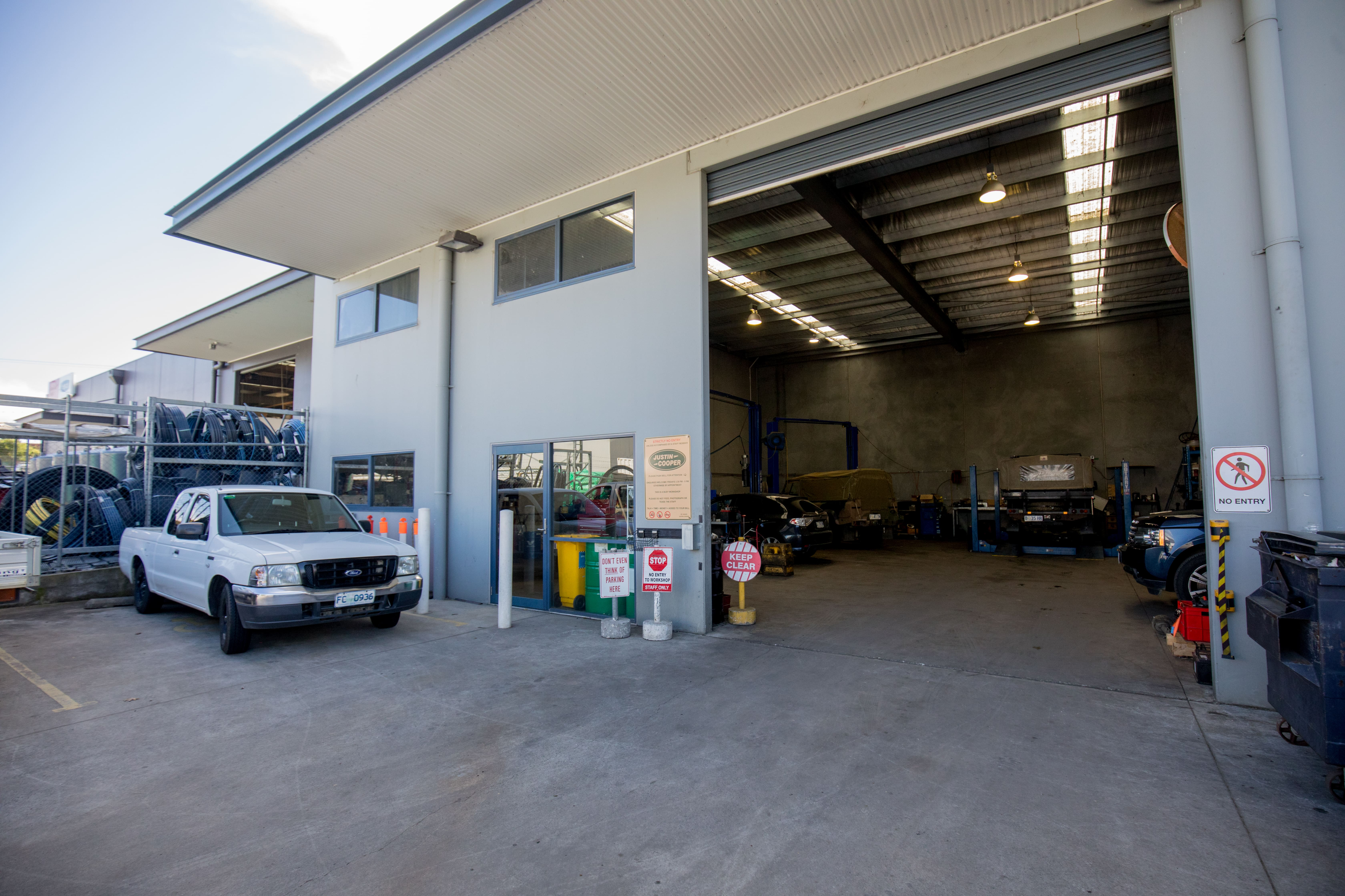 Well Established, Kingston Mechanic Workshop