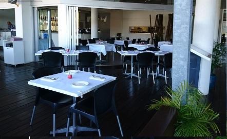 restaurant-prime-waterfront-location-2