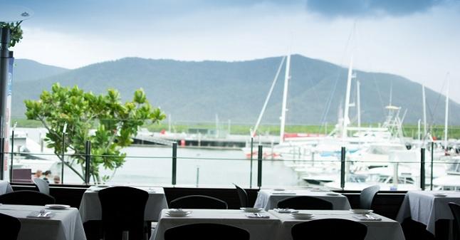 restaurant-prime-waterfront-location-3