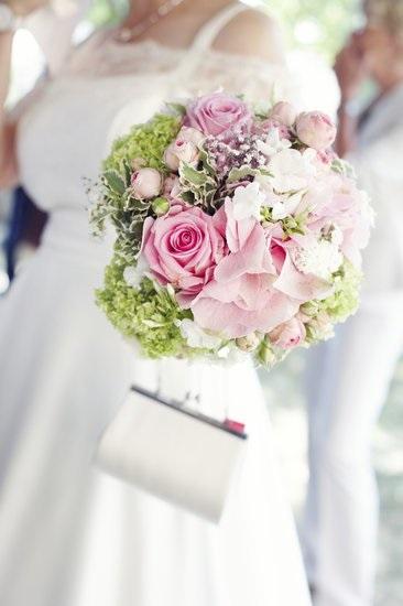 ISLAND BRIDES Tasmanian Bridal Boutique
