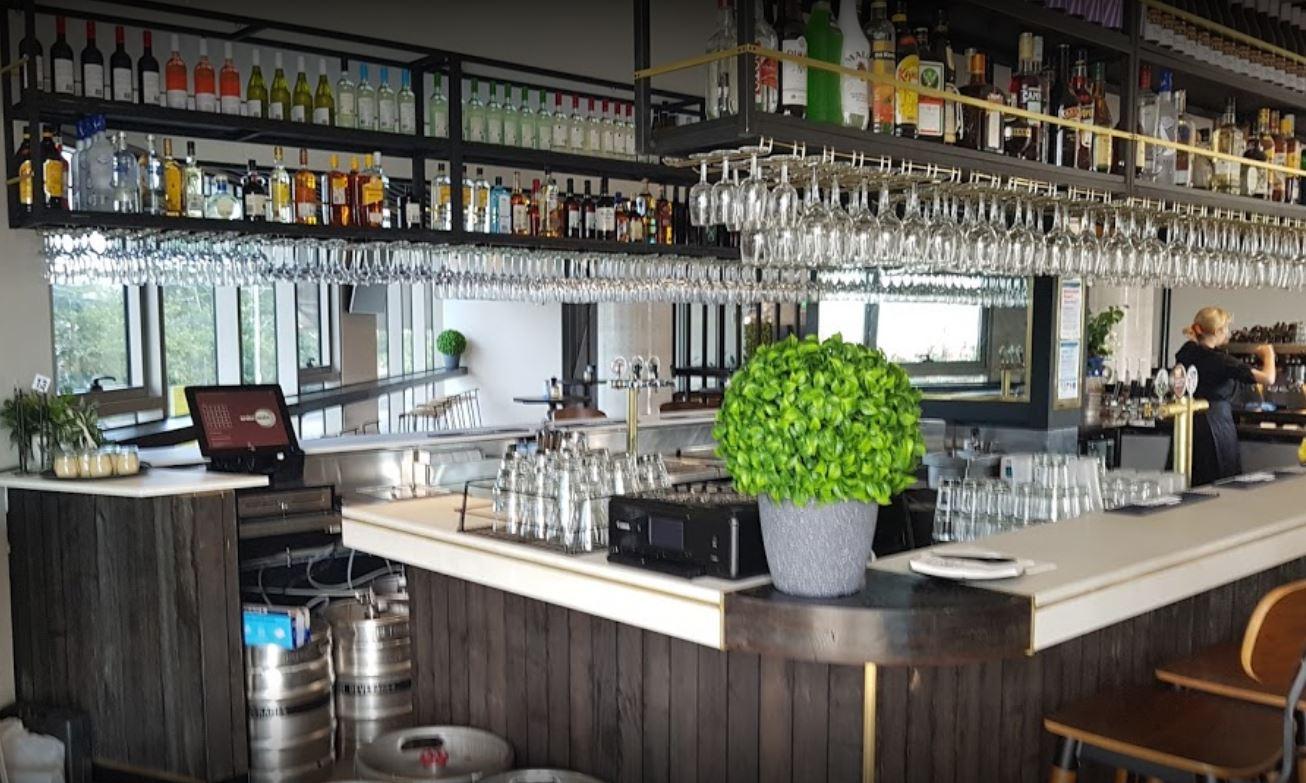 restaurant-bar-functions-fully-licensed-fully-under-management-1