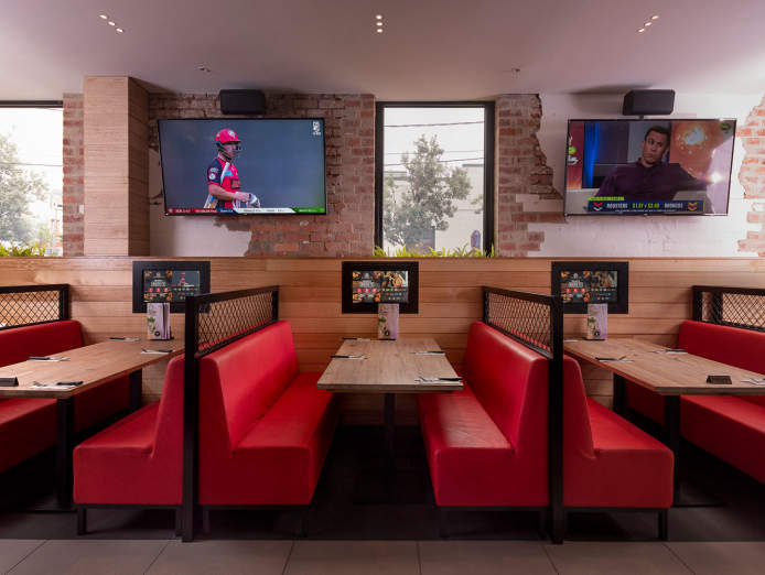 sports-bar-grill-award-winning-franchise-opportunity-1