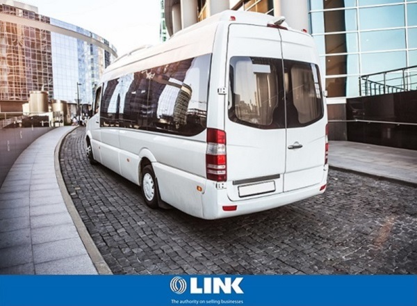 Airport Shuttles and Bus Charter Byron Bay NSW