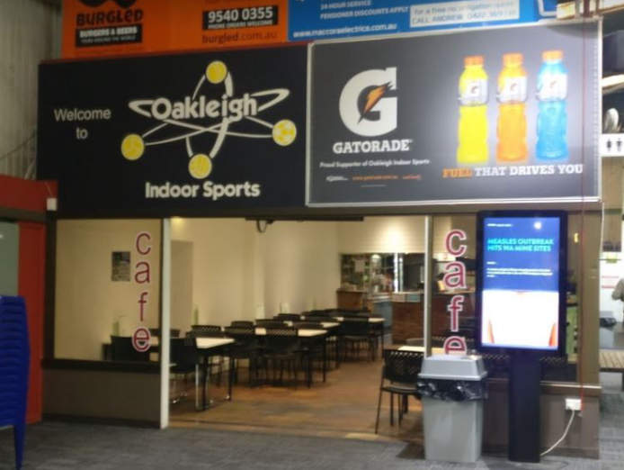oakleigh-indoor-sports-inflatable-world-kids-entertainment-inc-bar-cafe-4