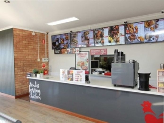 21065-highly-profitable-red-rooster-store-vendor-finance-available-2