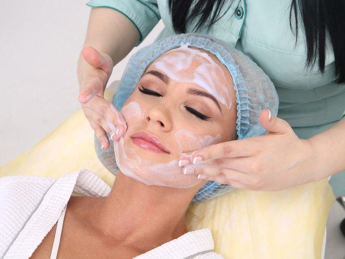 21114-profitable-beauty-salon-prime-shopping-centre-location-2