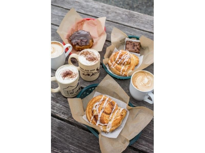 COFFEE & CAKES $319,000 (14297)