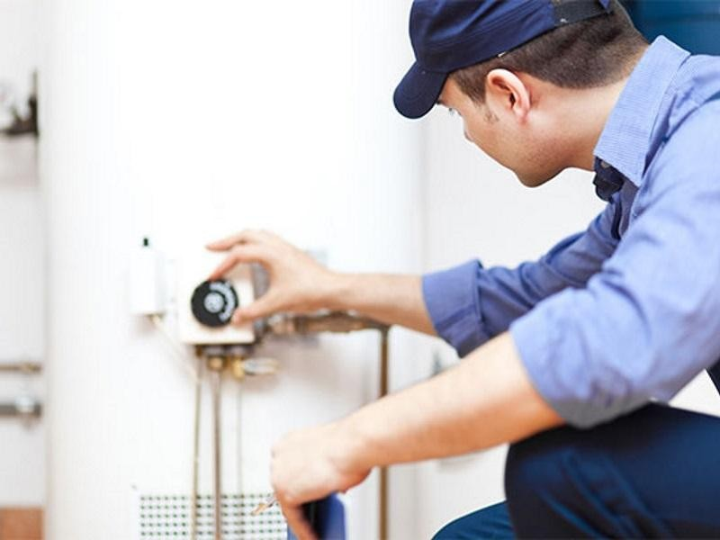 AIR CONDITIONING / HEATING & BUILDING SERVICES $1,999,000 (14683)
