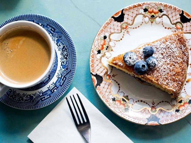 COFFEE & CAKES $188,000 (14390)
