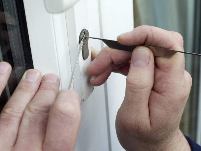 country-town-locksmith-270-000-13182-1