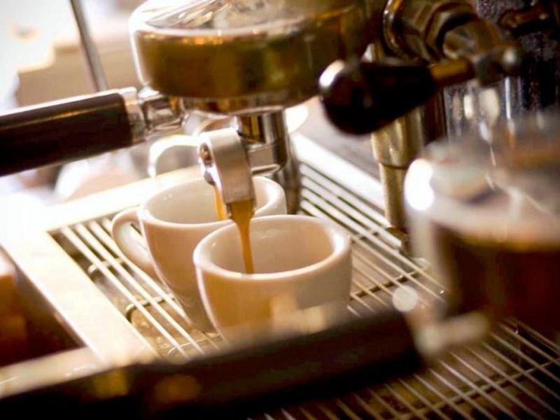 COFFEE & CAKES - $220,000 (12958)