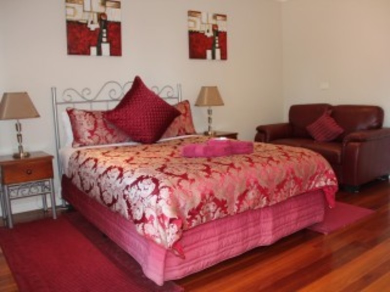 Unique Leasehold Motel/B&B In Tourist-Rich Area - Apollo Bay, VIC