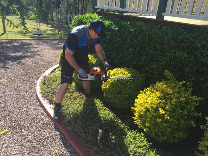 lawn-garden-maintenance-business-browns-plains-surrounding-suburbs-1