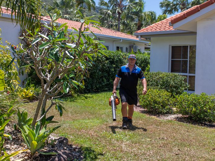 get-paid-to-spend-your-days-outdoors-lawn-mowing-garden-care-franchise-5
