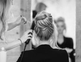 WELL ESTABLISHED HAIR SALON FOR SALE -MASSIVE CLIENT BASE -TURNOVER OF $238,000