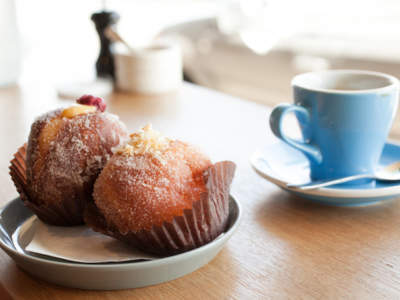 bakery-cafe-urgent-sale-2-bedrooms-at-rear-0