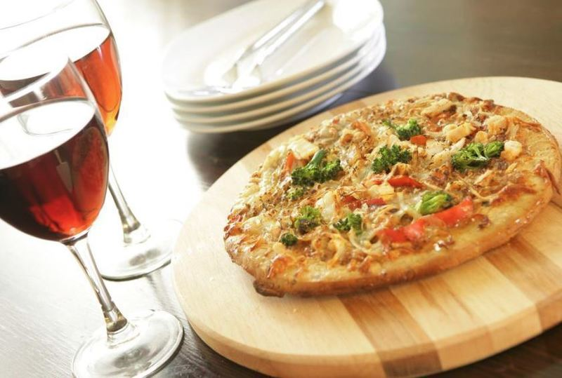 Pizza Restaurant $10,000 Plus Per Week.