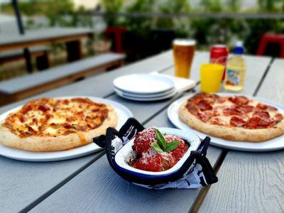 licensed-pizzeria-in-popular-morningside-pocket-1