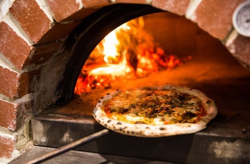 URGENT SALE - Cafe & Wood-Fire Pizzeria, Great Set-up & Fit-Out, Walk-in Walk-ou