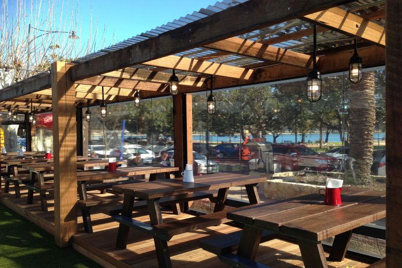 Hopper's Aussie Outdoors Alfresco/Cafe Blinds: Manufacturing & Installations