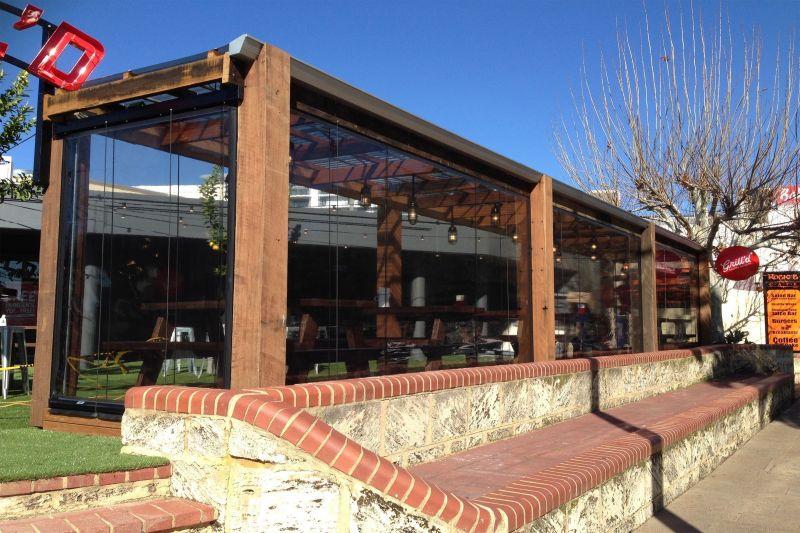 Alfresco/Cafe Blinds: Manufacturing & Installs