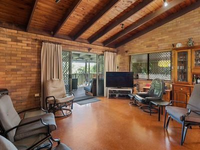 commercial-pool-with-residence-on-1783-m2-in-the-redlands-queensland-4
