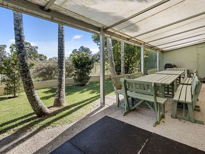 commercial-pool-with-residence-on-1783-m2-in-the-redlands-queensland-3
