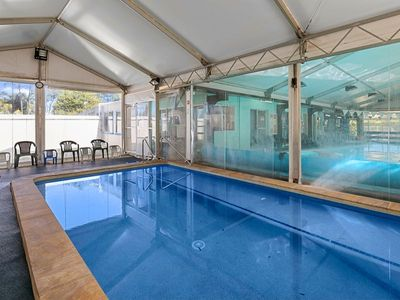 commercial-pool-with-residence-on-1783-m2-in-the-redlands-queensland-1