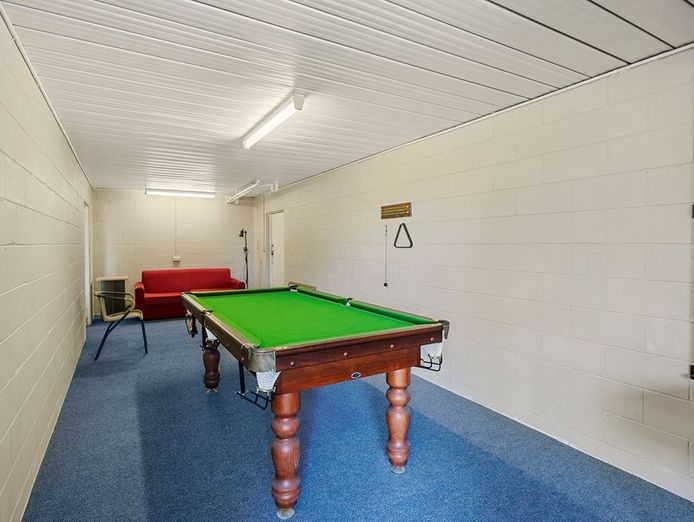 commercial-pool-with-residence-on-1783-m2-in-the-redlands-queensland-9