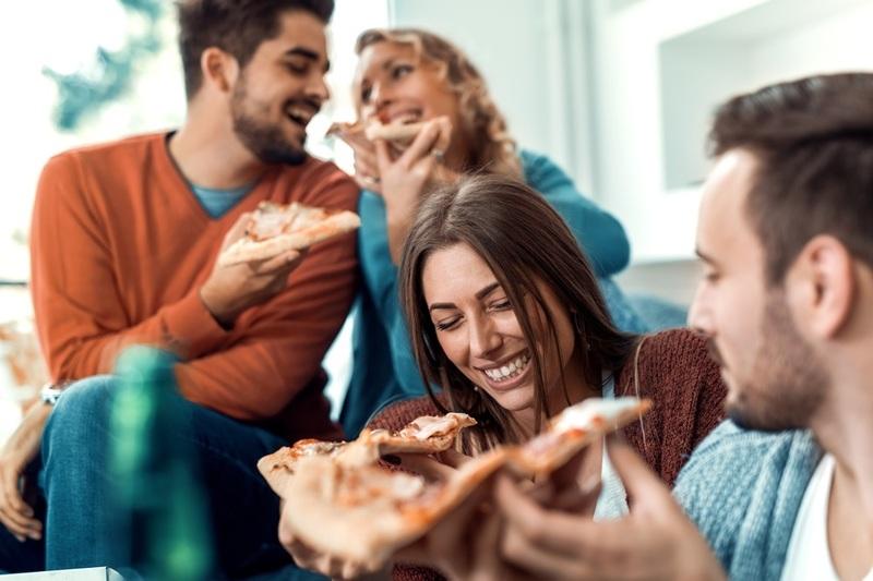 Dine-In/Takeaway Pizza Near Fitzroy - Ref: 12223