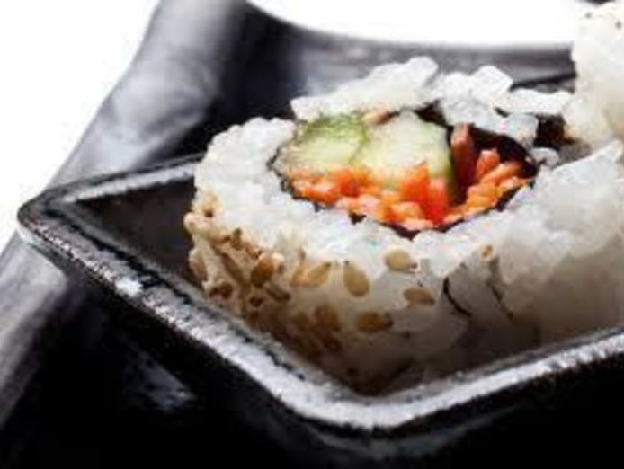 franchised-sushi-in-city-ref-15421-2