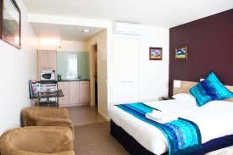 Serviced Apartments/Motel in Melbourne - Ref: 14227
